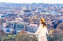 立陶宛维尔纽斯俯瞰老城最佳地点get 立陶宛首都维尔纽斯最漂亮的莫过于像巴尔干半岛一样的红色屋顶老城