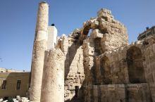 从古罗马剧场走路去大侯赛因清真寺的路上就会路过水神庙了,不要票,推门直接进去,里面不大的,打卡拍照走