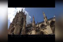 来一组欧洲古堡和教堂的美丽风景留念