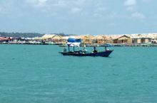 沙美岛的主海滩Sai keaw虽然拥有全岛最广阔美丽的白沙滩,但是被国内的旅行团包下了,如同是进了景