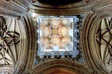 位於英国肯特郡的世界及英国遗产的坎特伯雷大教堂 Canterbury Cathedral, 是英国最