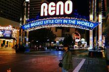 【湾区出游指南 太浩湖边的复古霓虹赌城】  里诺(Reno)是加州和内达华州边境上的一座小城市,因为