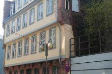 歌德故居,位于法兰克福罗马广场左近,西思格拉大街23-25号( Großer Hirschgrabe