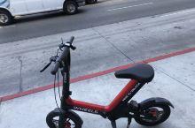 洛杉矶街头的共享单车之一