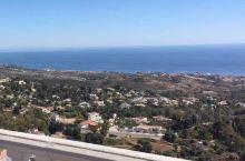 西班牙马拉加米哈斯是座著名的阿拉伯风格旅游城镇,当你置身米哈斯山谷,可以切身体验纯正的地中海风情,令