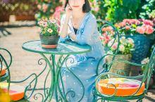 丽江高颜值民宿|住进满是鲜花的纳西族民居  带着藕断丝连的怀念,时隔几年之后,我又来到了丽江。不同的