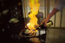 无锡富力喜来登酒店内的雅日本餐厅,在制作上要求尤为严格,选料注重新鲜,切割和摆盘讲究艺术感,旨在为顾