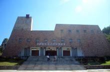 """石城县博物馆展厅内陈列200多件历史、客家文物,按陈列内容分为""""赣江源头""""、""""客家摇篮""""、""""红土风云"""