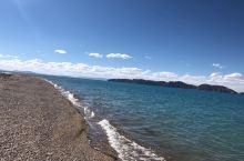 色林措是西藏最大的咸水湖,又称魔鬼湖。开车进入色林措深处,后来走到尽头才发现没有路,三个人原路掉头回