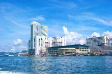 """有着""""南洋小香港""""之称的沙巴山打根,因靠近港口,曾吸引大批香港人前来做生意而得名。建在海滨步道旁的福"""