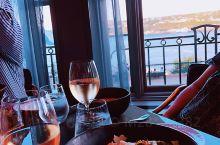 非常好的美食体验,窗外就是圣劳伦斯河,正宗的法式餐厅