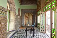 """菲斯被称为摩洛哥的文化之都,也有""""西方的麦加""""和""""非洲的雅典""""之称,1925年前是摩洛哥的首都,它被"""