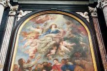 安特卫普拥有非常多的鲁本斯的原作。这些作品大多数分布在教堂里面。Because of Rubens,