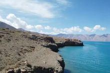 当惹雍措,是西藏面积第四大湖,中国第二深的湖,是西藏最古老的雍仲本教徒崇拜的最大的圣湖。当惹雍措为南