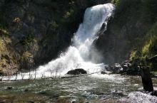 天山瀑布比天池更震撼