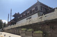 青海第一站-藏传佛教圣地塔尔寺,以壁画+堆绣+酥油花艺术三绝和千万两黄金白银打造的金顶大金瓦寺,纪念