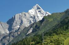 这次行程中的重头戏就是四姑娘山的旅程,三天的行程,让我们领略了大自然最质朴的美丽,雪山,草甸,喇嘛寺