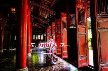 越南顺化毕竟也没有什么其他更特别更好玩的地方,一般去了也就是看各种皇陵和皇城吧。我们反正就是一路看过
