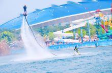 秦皇岛北戴河渔岛度假区,除了泡温泉,还有更多可以体验的游乐设施,梦幻水寨,摩天轮,海盗船,游船,卡丁