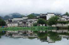 宏村是徽派建筑古村落的代表之一,去黄山的第一站就是这里。            2000年11月30