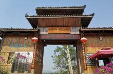 桂林花海是中国中国第一家大型主题花海景区,也是广西最大三角梅基地、全生态精品火龙果基地(图6、7)。