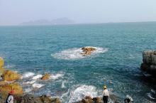 东西冲 海岸线位于 深圳 市龙岗区大鹏半岛,是户外爱好者最经典、入门级的徒步线路。海岸线约长4公里,
