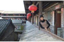 泰安楼位于广东省大埔县湖寮镇龙岗村,建于清乾隆二十八年(公元1764年),距今已有252年的历史,是