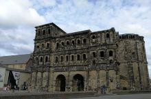 尼格拉城门也叫黑城门。很有历史,还是世界文化遗产。