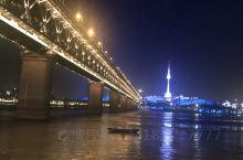 武汉 非常好的地方 户部巷 美食多 武昌江滩夜景 壮观    非常好