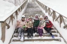 亚布力滑雪场大全 亚布力滑雪 深冬已近,风吹雪花落满地,无论你是北国的汉子还是南方的姑娘,是资深滑雪
