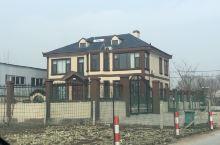 村里的豪宅