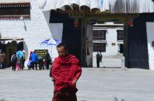 """西藏 扎什伦布寺 扎什伦布寺:可与布达拉宫相媲美。它与拉萨的""""三大寺""""甘丹寺、色拉寺、哲蚌寺合称藏传"""