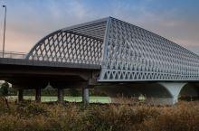 线条优美的北七家桥