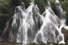 今天看一下荔波小七孔的瀑布景观,还是枯水期,水流量不是太大,67月份水流会很大。