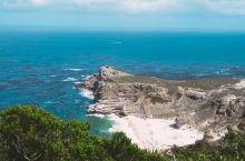 到了传说中南非著名的好望角(风暴角),才发现原来风光这么美,不仅是国家公园,还能见到鸵鸟一家在海边散
