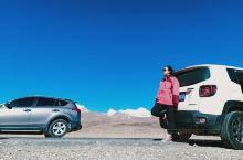 拉萨的第五天,租车去纳木错,结果下雪封湖,在雪地里拍照留念,晚上回到拉萨在青旅附近的甜茶馆喝着甜茶休