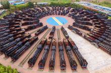 吉林大安北机车封存基地,据说是世界上占地面积最大,封存机车数量最多的基地,现储备机车430台,其中蒸