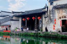 中国邮票徽州民居取景地,卧虎藏龙取景地,黄昏的宏村月沼更加多姿。
