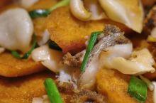 这个海螺片炒的不错,不是特别咸,但是很鲜美。