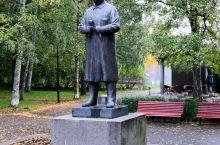 奥斯陆打卡生命主题雕塑公园,图一是作者;图六至八阿克苏城堡是守卫奥斯陆湾防御设施,也是老皇宫,现在是