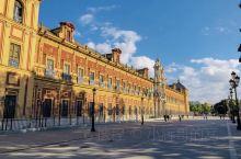 西班牙第四大城市,位于西班牙的南部,弗拉门戈发源地,也是权游迷必去的打卡地!整个古城为我们呈现了天主