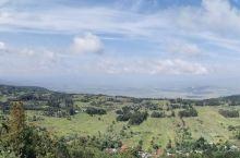 老肯记–行10 地球伤疤–东非大裂谷 1. 东非大裂谷是世界大陆上最大的断裂带,从卫星照片上看去犹如