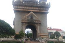 凯旋门 老挝首都地标性建筑。 免门票-中心路,感受异国风情