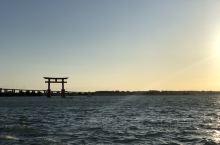 矗立在大海中的大鸟居,原本想静待sunset,可惜才刚刚夕阳西下,就狂风大作,只能匆匆拍了几张照片走