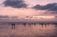 星期日國興於印度渡過,就在這個迷人沙灘附近跟幾個印度朋友聊天,順便拍下來給大家分享