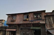 印度,孟买,法拉维贫民窟,号称世界最大的贫民窟之一,说是仅次于内罗毕,占地2平方公里,住着80万人,
