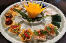 第一次尝试泰国的私房菜,这个相信一般的游客肯定不可能吃到,据说创始人是位清迈的医生,因为喜欢美食从0