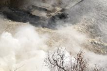 国人称水晶瀑布 正巧前几天下雨 雨量充沛 蛮壮观