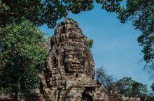 斑黛喀蒂建于12世纪末,相比刚刚看的豆蔻寺,那可就大得多了,逛完这里估计需要1个小时。远远可以看见大