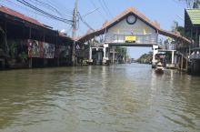 曼谷附近的水上集市